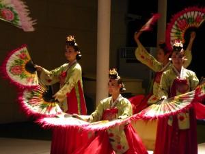 ガラディナー舞踊